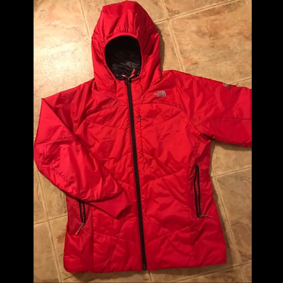 5b976ab91 Cute red north face women's winter jacket !